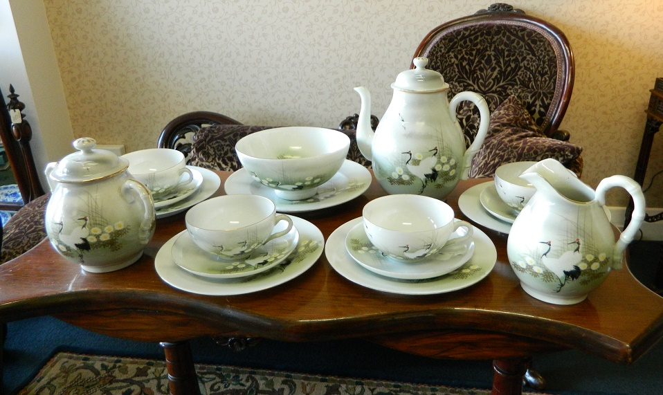 bird design tea cups and saucer vintage collection