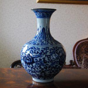 Blue and White Porcelain Vase Retro Design Crackle Finish