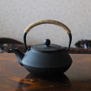 classic Tetsubin-style Japanese iron teapot